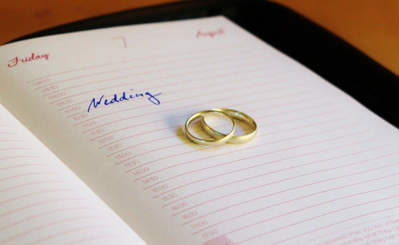 Wedding rings calendar